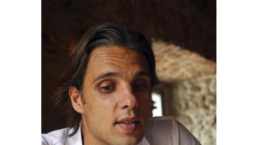 O avançado português Nuno Gomes vai representar o Blackburn Rovers