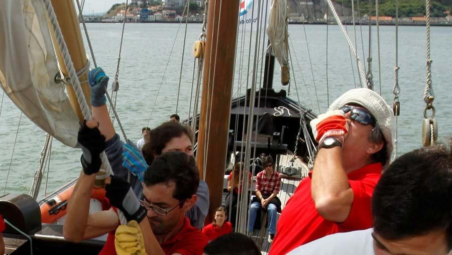Caravela 'Vera Cruz' acolheu ontem jovens que irão participar na regata 'The Tall Ships Races'