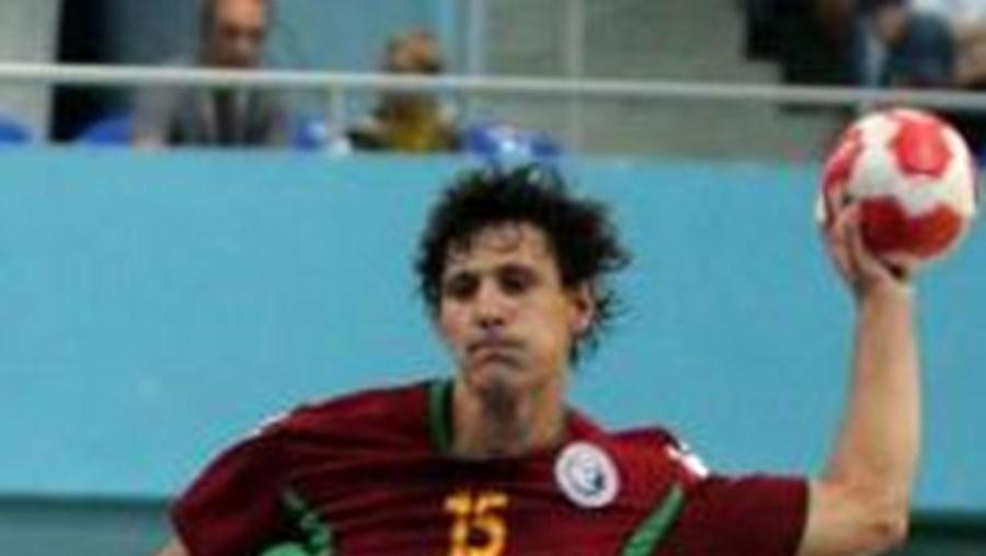 Portugal, vice-campeão europeu em 2010, na Eslováquia, começou da melhor forma a sua participação na Turquia