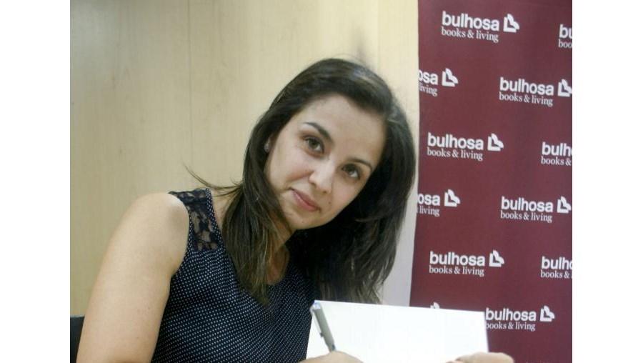 Primeiro livro de Vanessa Fidalgo foi apresentado nesta quinta-feira