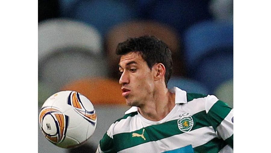 Defesa Xandão tem 24 anos e chegou ao Sporting em Dezembro do ano passado