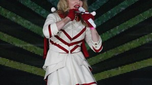 Madonna acusada de violar lei que proíbe propaganda homossexual