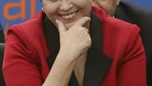 "Dilma diz que Brasil vai ""passar por cima da crise"""