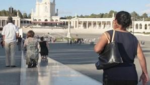 Fátima: Centenas de peregrinos no Santuário