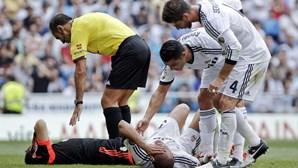 Alves trava Real Madrid
