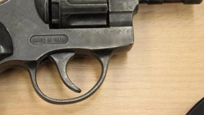 Detido por disparar vários tiros contra jovem de 15 anos
