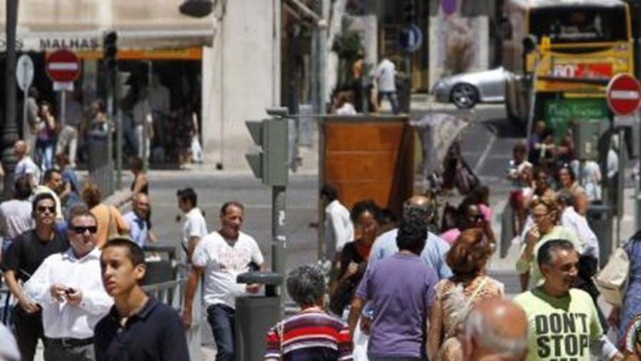 Inflação homóloga acelera para 1,6% em julho, segundo estimativa do INE