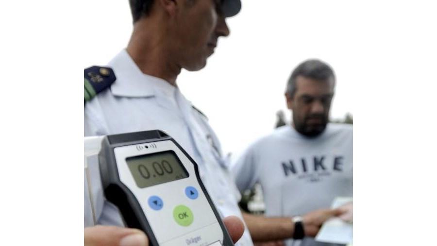 Militares da GNR fiscalizaram, no sábado, um total de 4 475 condutores. Maioria detida por excesso de álcool