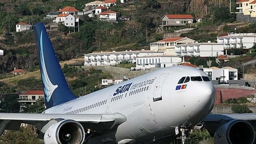 A transportadora aérea SATA suspendeu toda a sua operação até às 10h00 (11h00 em Lisboa) desta segunda-feira