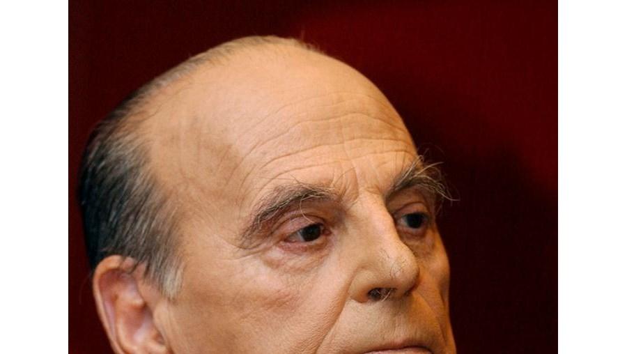 José Hermano Saraiva foi jurista, ministro da Educação e autor da 'História Concisa de Portugal', mas tornou-se conhecido do grande público como apresentador de programas televisivos de divulgação cultural
