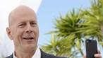 Ator Bruce Willis criticado após se ter recusado a usar máscara dentro de farmácia