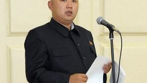 Coreia do Norte: Kim Jong-un homenageou pai e avô