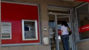 Ameaça incendiar banco