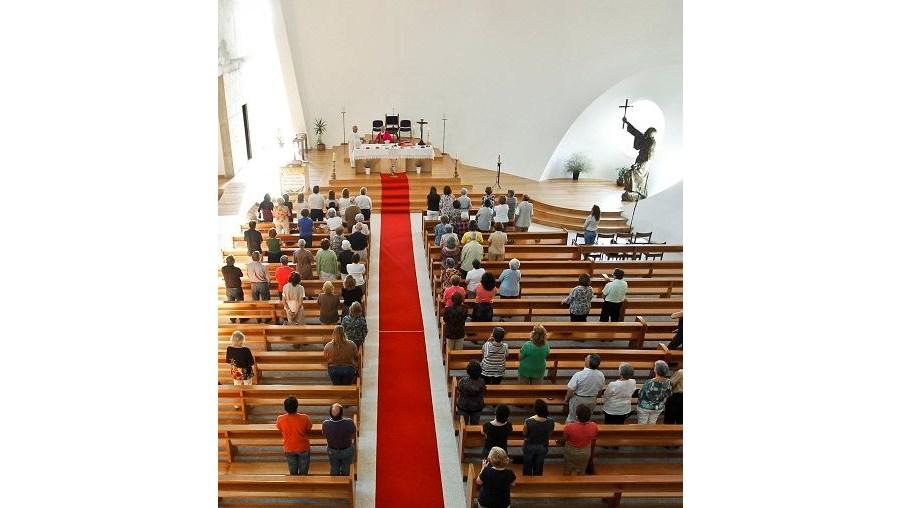 Cerca de 250 fiéis marcaram presença na missa de sábado