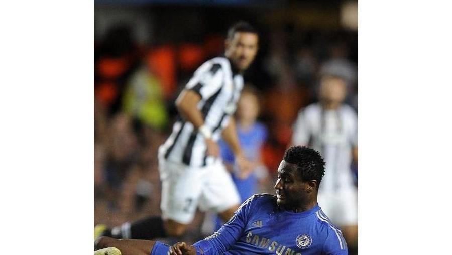 Mikel foi assobiado depois de ter feito um mau passe que esteve na origem do golo do empate 2-2 da Juventus no jogo da Liga dos Campeões, quarta-feira