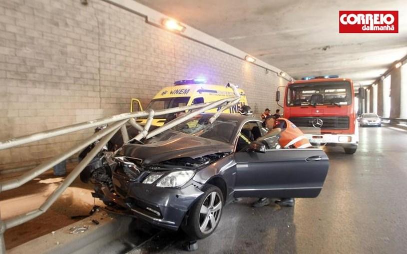 Eusébio sofre acidente brutal perto do Estádio da Luz