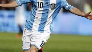 Chuteiras de Messi vão ser leiloadas para apoiar hospital de Barcelona