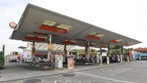 Gasolina baixa hoje seis cêntimos por litro