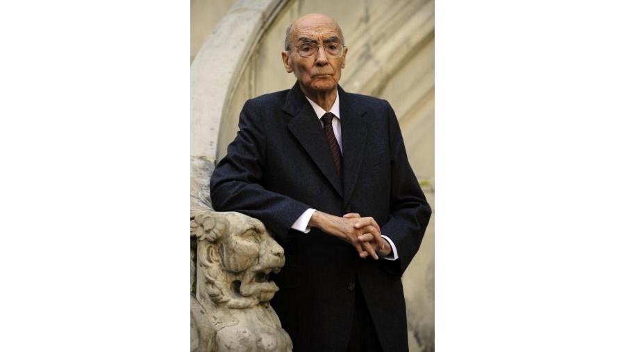 Em 'Caim' José Saramago revisita alguns das grandes histórias do Velho Testamento. Lançado em 2009, o livro ultrapassou já a marca dos cem mil exemplares vendidos