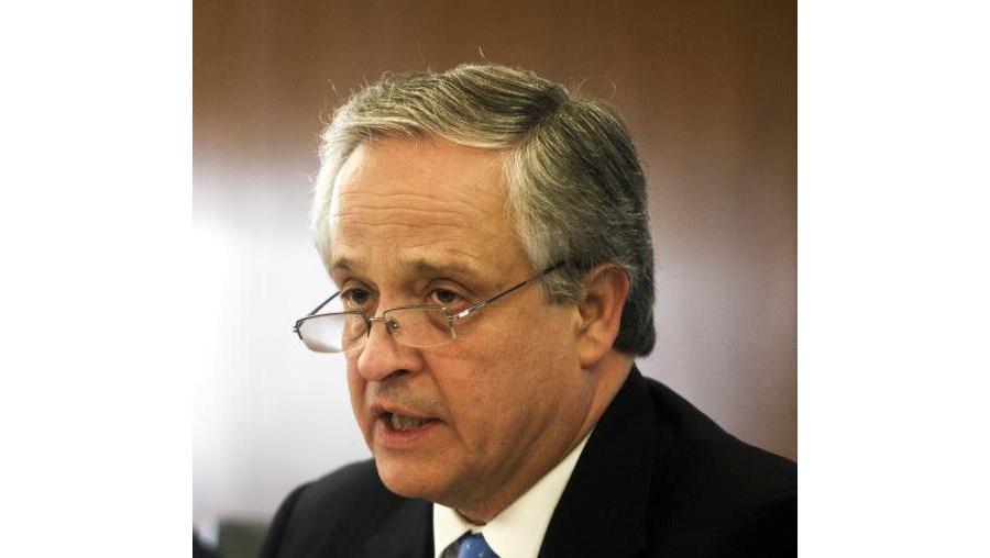 """""""O PSD não tem de se coligar necessariamente com o CDS. Também se pode aliar ao PS"""", respondeu Ulrich"""