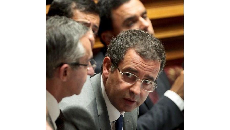 """Líder do PS afirmou que o """"Orçamento nasce ferido de um sentimento de desconfiança"""""""