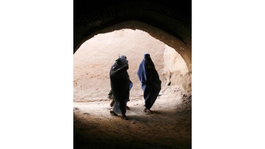 Já foram registados 100 casos de violência contra mulheres na zona oeste do Afeganistão