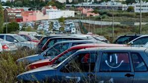 """Carros apreendidos pela PSP """"são lixo a céu aberto"""""""