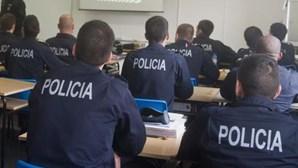 Polícias em protesto contra o Orçamento de 2013