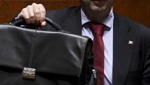 Cortes de 4 mil milhões na despesa apresentados em Fevereiro