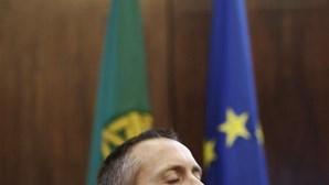 """Governo espera para avaliar """"alternativas"""" à greve dos estivadores"""