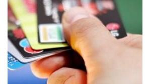 Trio usava cartões de crédito falsos em compras