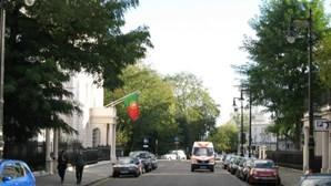 Governo britânico encoraja portugueses elegíveis a pedirem residência no Reino Unido