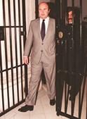 Numa foto de Dezembro de 1998, durante uma visita às celas do Estabelecimento Prisional de Lisboa (EPL)