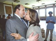 Em Junho de 2003, João e Filipa Vale e Azevedo durante o julgamento no Tribunal do Palácio da Justiça