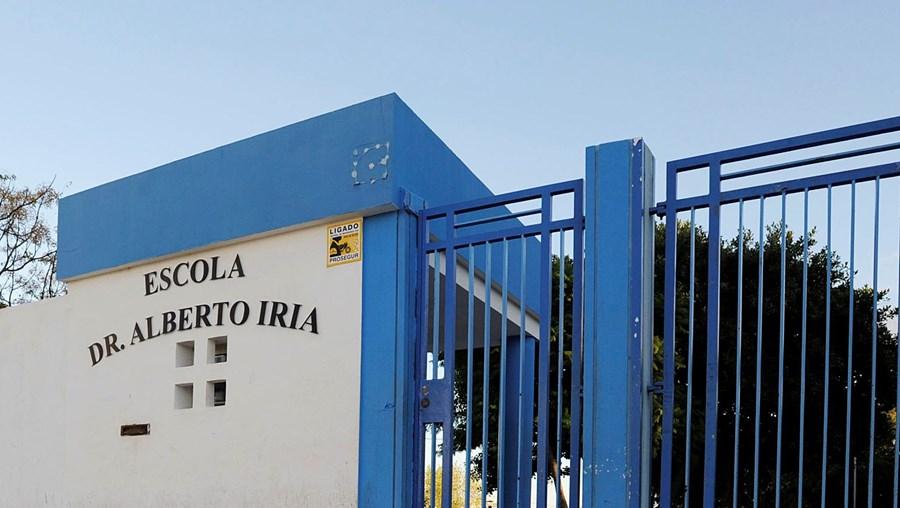 Agrupamento Dr. Alberto Iria, em Olhão: o director José Barros nega favorecer a filha, que foi recrutada pelo segundo ano seguido