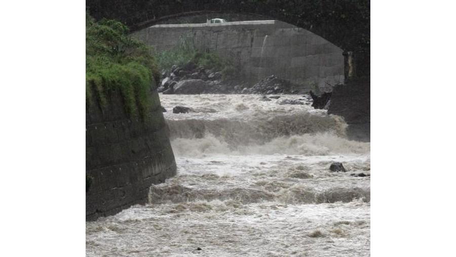 As ribeiras voltaram a transbordar no Norte da Madeira