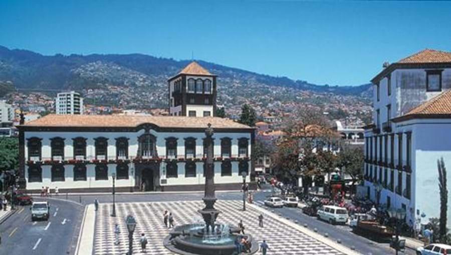 Tribunal do Funchal condenou homem, de 48 anos, a pena de prisão efectiva de sete anos por violação de menor