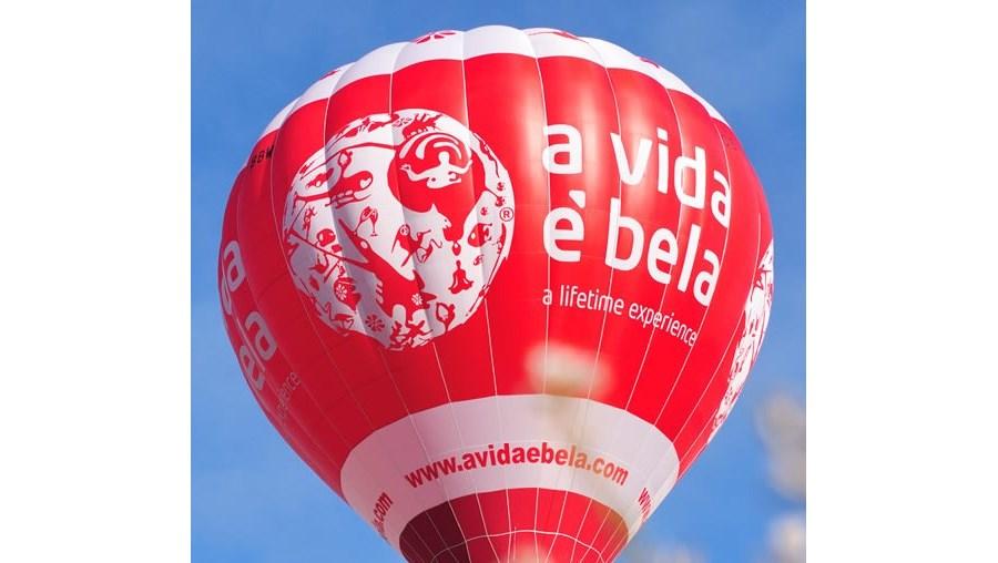 A Vida é Bela anunciou na sexta-feira a suspensão da sua actividade em Portugal, devido a problemas financeiros justificados com a situação conjuntural, com uma quebra de vendas e com dívidas do Estado