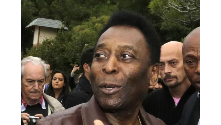 Afinal, Pelé recupera de operação à anca
