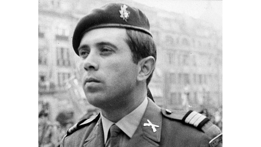 O  coronel Jaime Neves foi a figura do 25 de Novembro