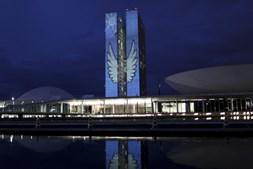 Projecção das torres do Congresso Nacional, conforme pensada por Niemeyer