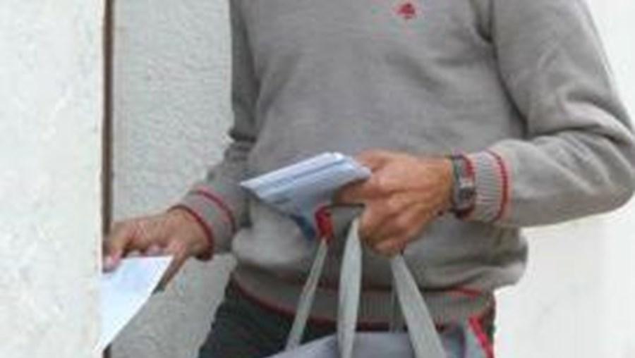 Carteiro transportava envelopes com numerário quando foi agredido