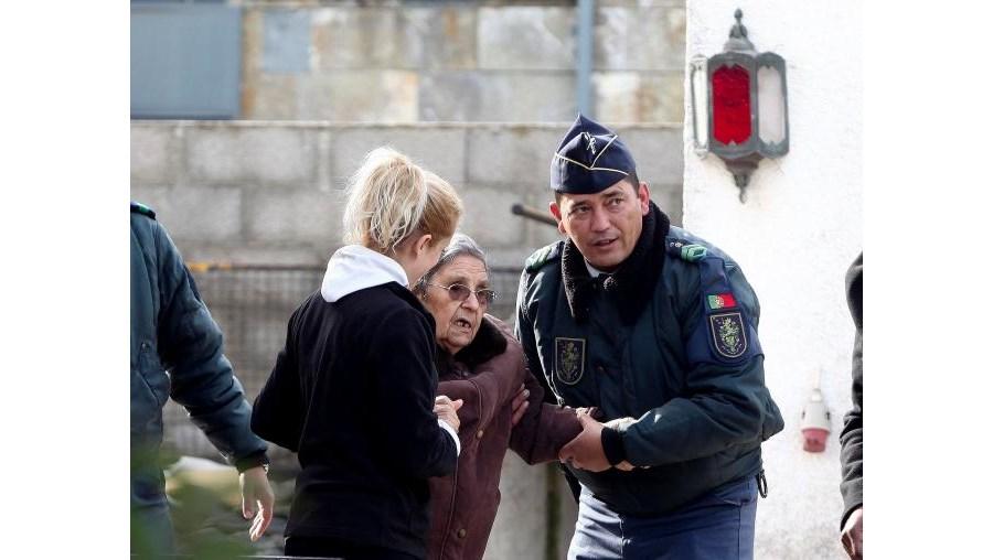 Militares da GNR auxiliaram na retirada dos idosos