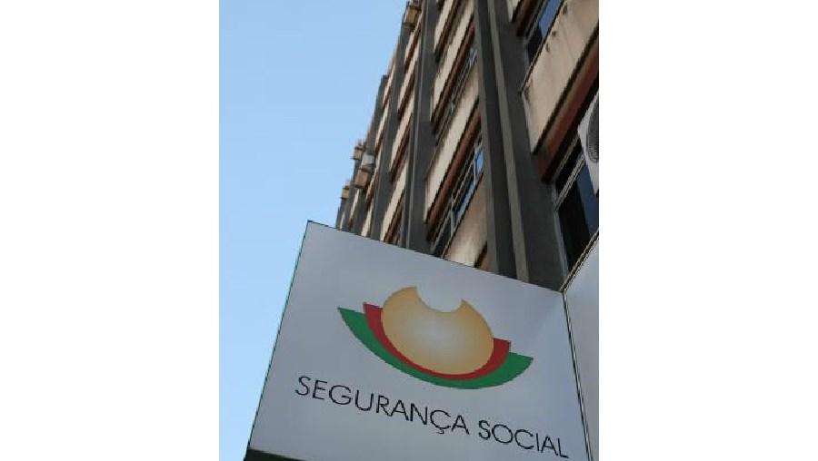 OCDE pede contenção no corte das ajudas pela Segurança Social