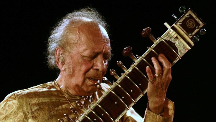 Ravi Shankar era pai da cantora Norah Jones