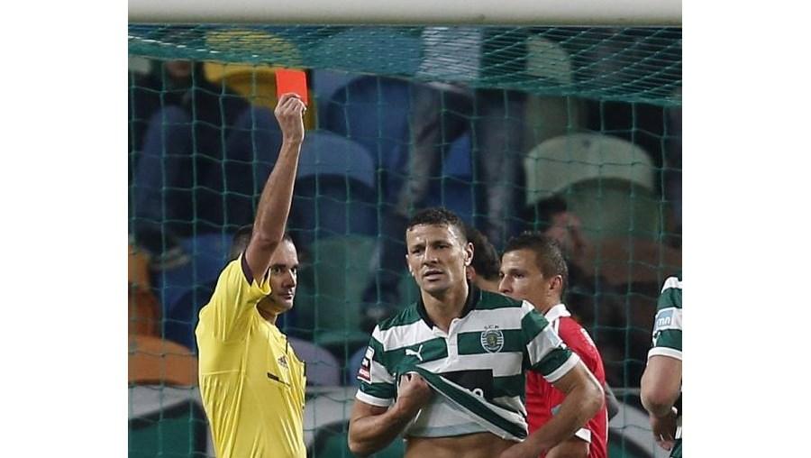 Boulahrouz foi expulso no jogo com o Benfica