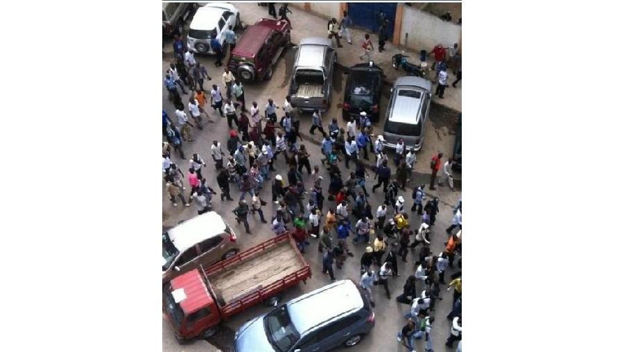 Manifestantes foram impedidos de chegar ao ministério da Justiça amgolano