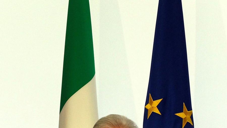 Monti recusa ir a votos e põe condições para voltar a liderar o governo