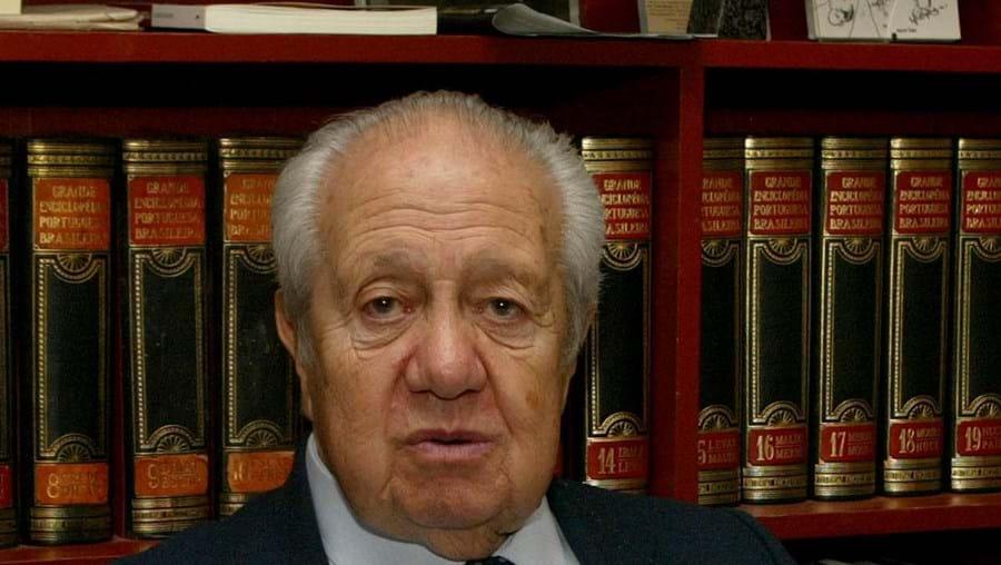 O antigo Presidente da República Mário Soares ficou internado no mesmo quarto do que Eusébio no Hospital da Luz