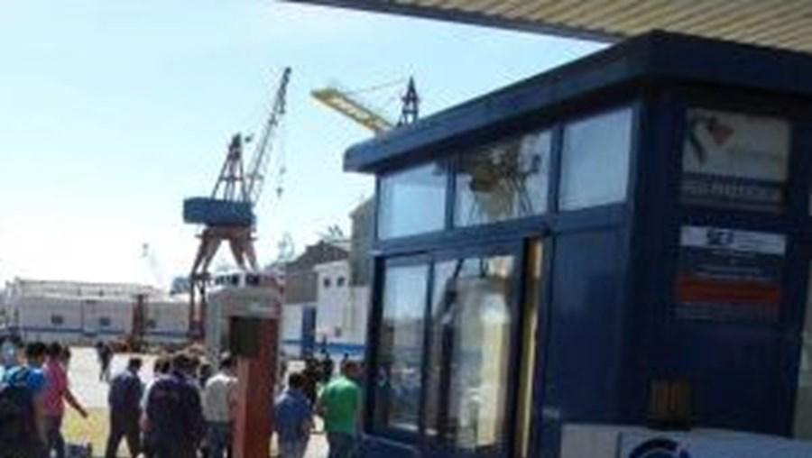 Privatização dos estaleiros devia estar concluída em 2012